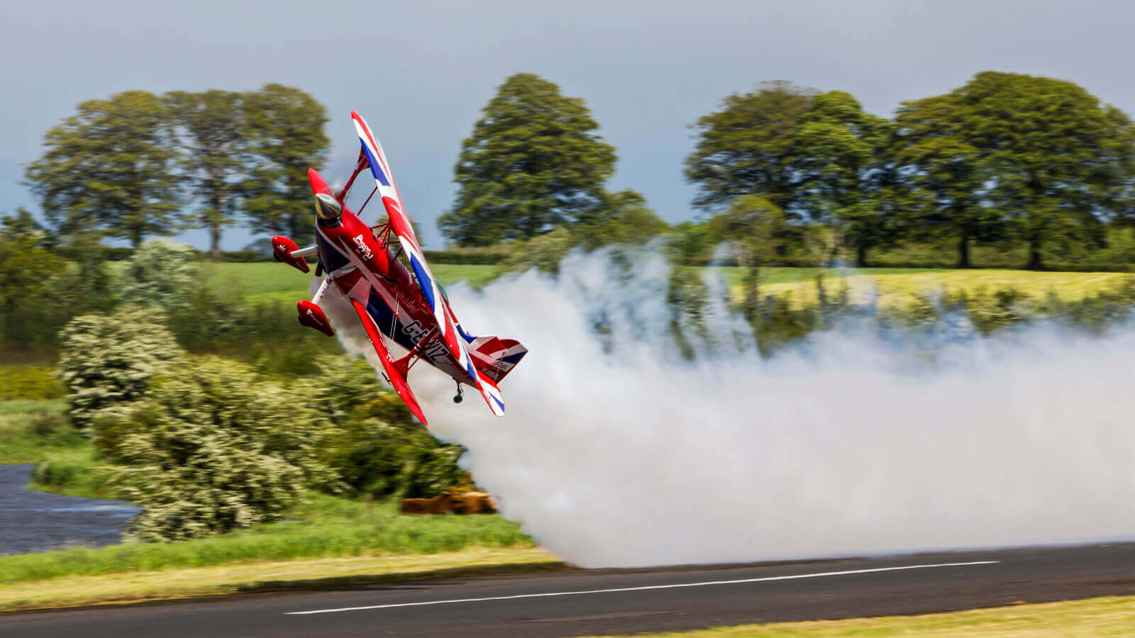 Smoke oil - the essence of every air show - Warter Aviation